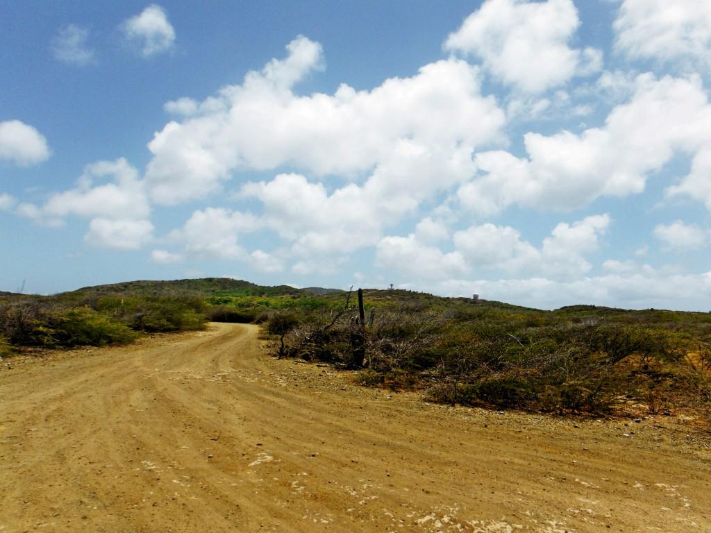 Schotterpiste nach Watamula
