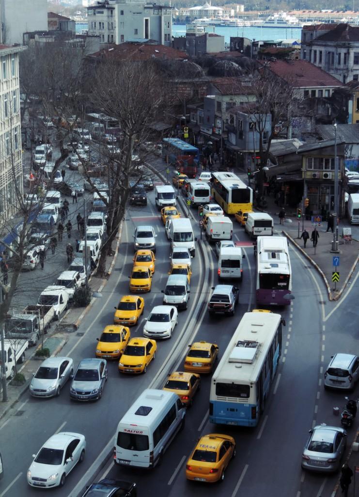 Straße vor dem Fenster