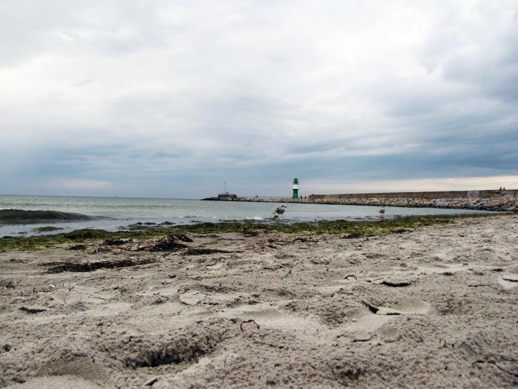Blick vom Strand zur Westmole